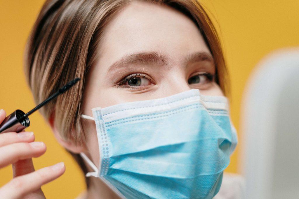 5 Rimedi contro l'acne da mascherina